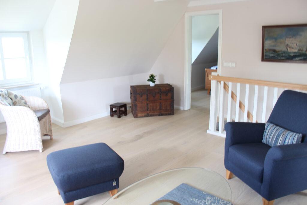 Ferienhaus auf Pellworm Wohnzimmer Treppe